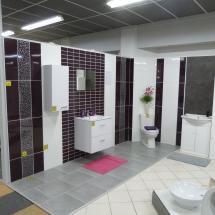 box sanitaire-carrelage violet